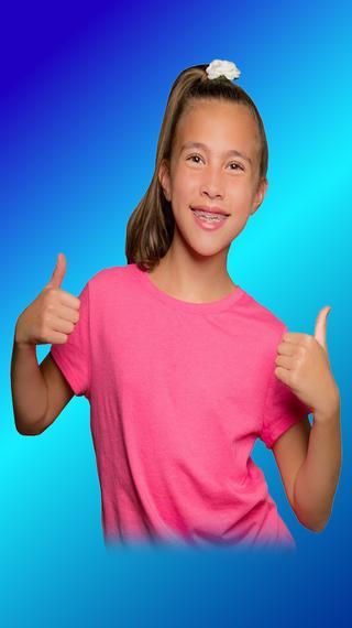 JillianTubeHD Smiles & Smarts by pocket.watch